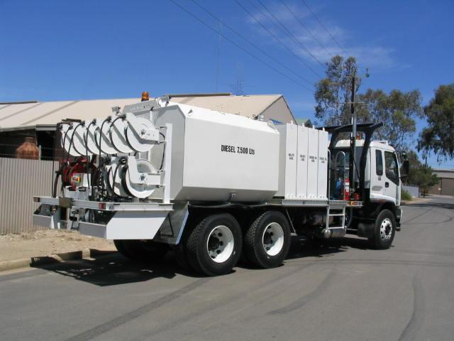 Isuzu 6x4 Fuel/Lube Truck